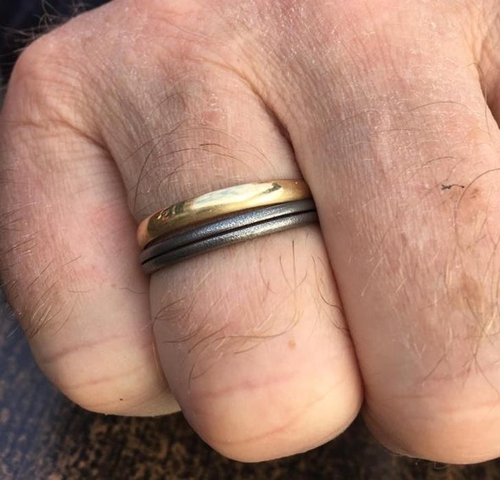 24張證明「時間就是這樣溜走」的溫馨感人照 他戴著孩子送的「鑰匙圈戒指」22年
