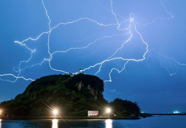 20個「比好萊塢特效還神奇」的大自然傑作 雷神降臨的通道真的存在!