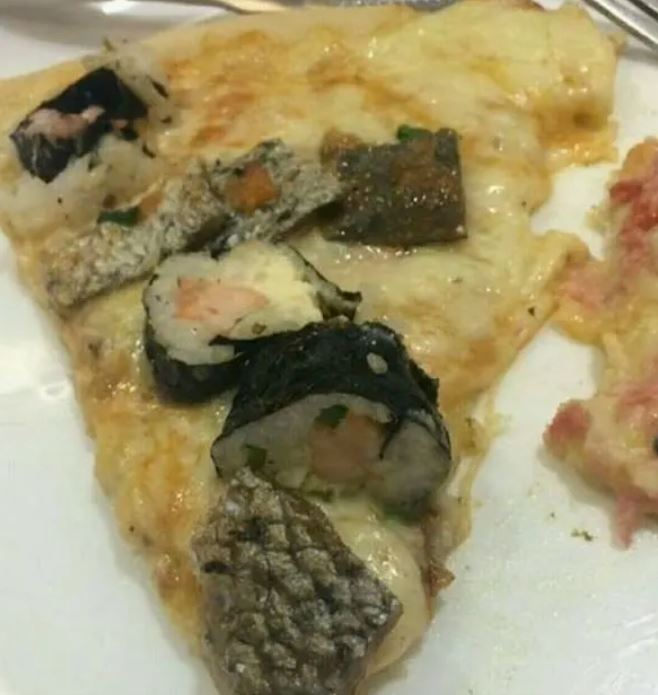 22個讓人「一輩子不敢再吃壽司」的暗黑料理 網看到「鮮鮭魚聖代」崩潰:融化了