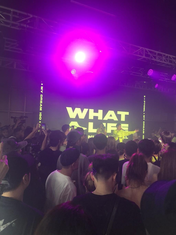 周湯豪發新EP「先灑150萬」辦螢光派對 罕見獻唱《新說唱》比賽歌:平常不敢唱