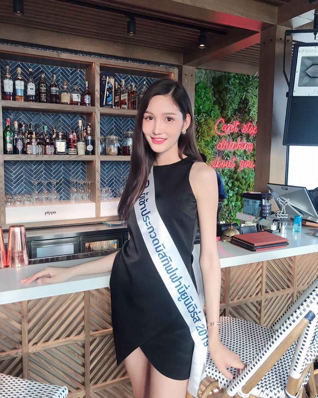 泰國史上「最完美」換性人選美冠軍!不只初戀顏+超狂學歷...「逆天美腿」讓全網戀愛