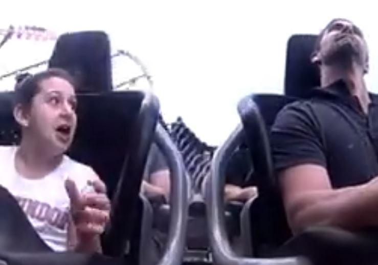 影/少女玩雲霄飛車卻「撞上大鳥」 她嚇到「狂飆髒話」影片被瘋傳...網笑:鳥比較慘!