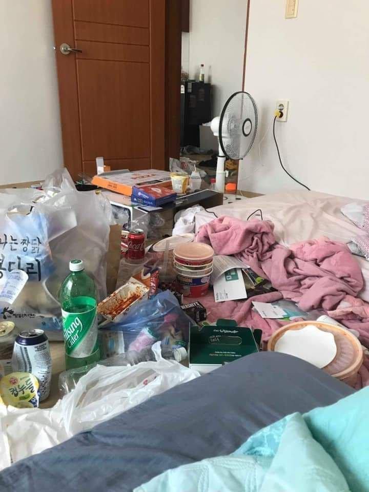 這是人類住的嗎...「曬豬窩大賽」引爆超羞恥曬照潮 這個房間「味道從照片飄出」網嚇:女生的房間?
