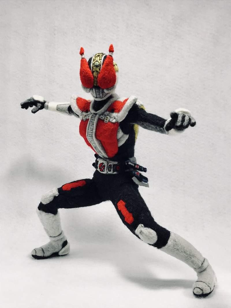 日本神人「用羊毛氈打造機器人」作品爆紅 網看「1:1黃金比例」大讚:準備下跪了!