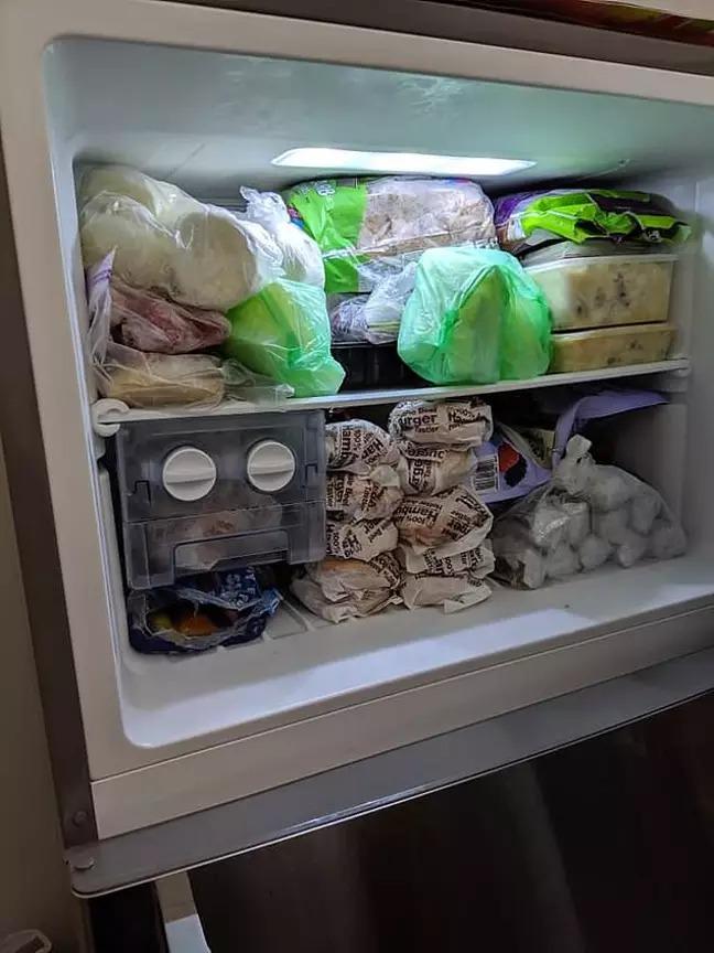 網友曝光「在冰箱存一堆麥當勞漢堡」超強省錢法 但一看他「處理三餐方式」卻傻眼:讓人想吐