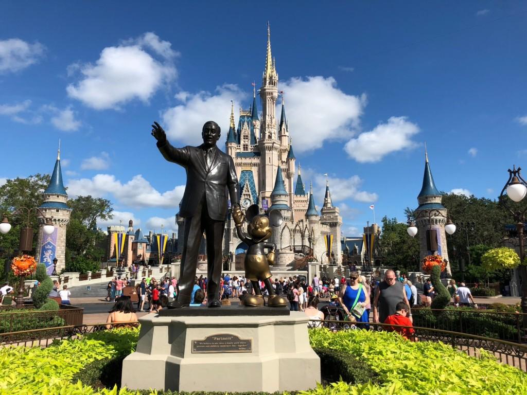 迪士尼推出全新「半日魔幻票」 票價「直接砍半」還不用早起!
