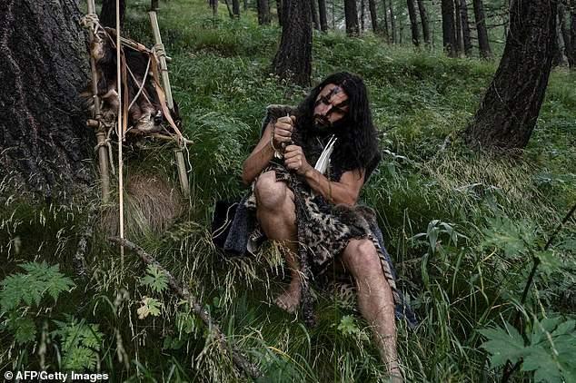 真正野人開班「野外求生技」獲認證 還能「陪住阿爾卑斯山」探險!