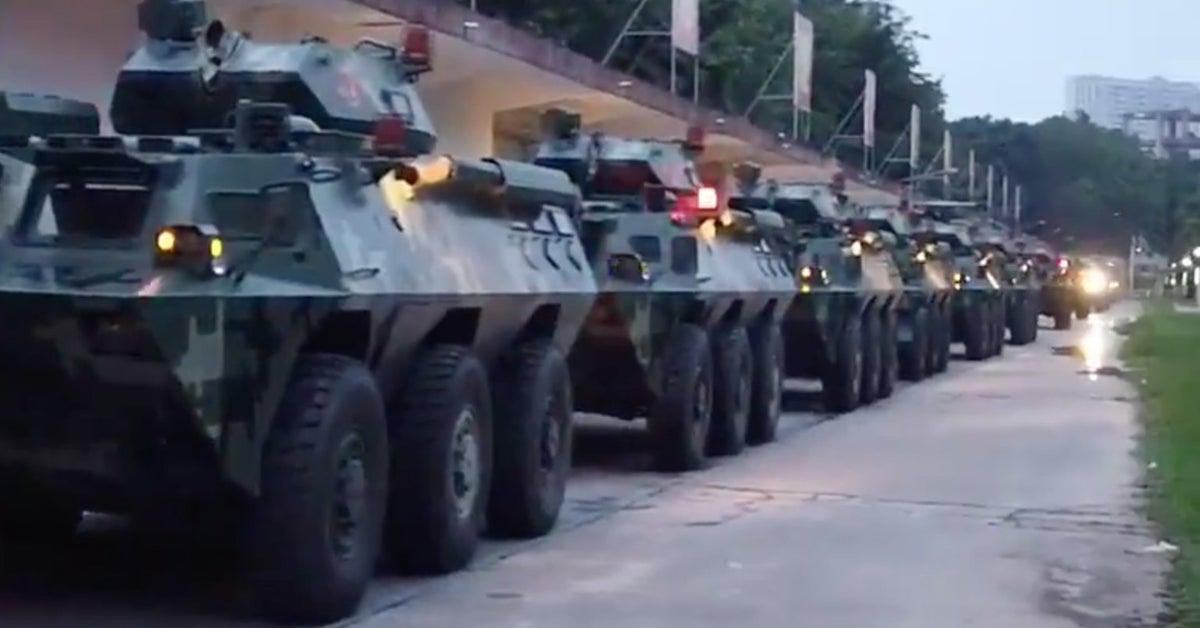 深圳出現「整排裝甲車」引發猜測!地點「超近香港」專家聲稱:只是軍事演練