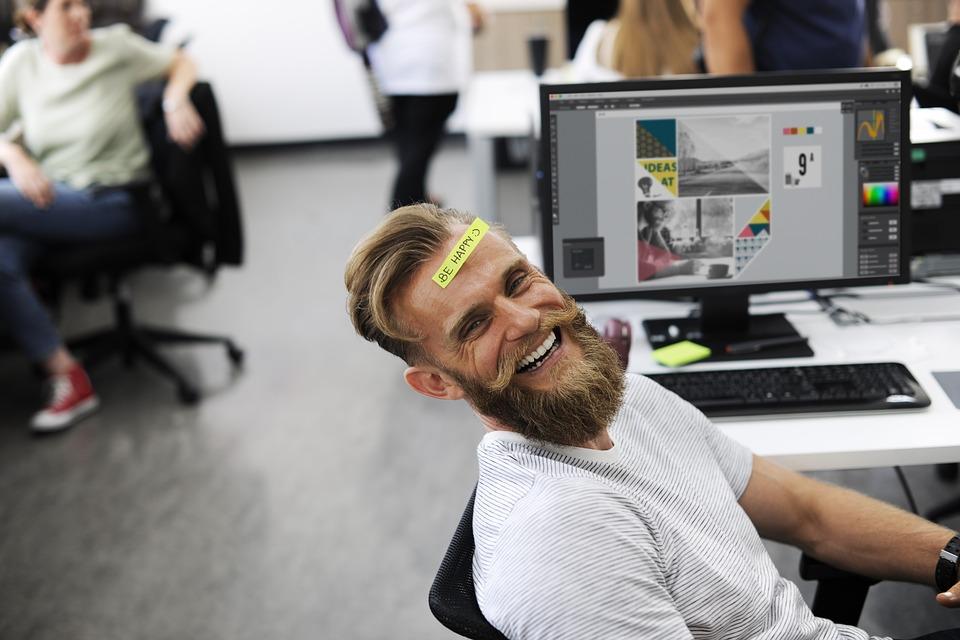 研究顯示「跟朋友一起上班」效率更高 還可以降低「工傷事故率」