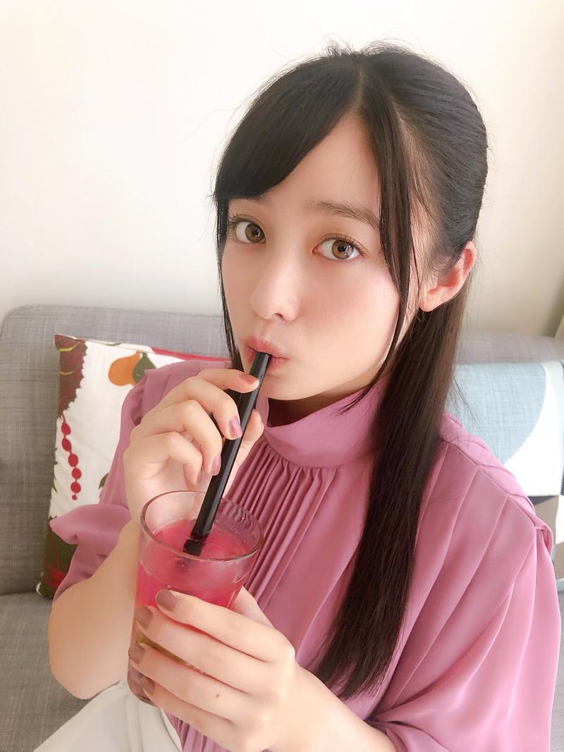 日本最新流行「把珍珠塞鼻孔」自拍 超獵奇畫面鄉民崩潰:拍完還要吃?