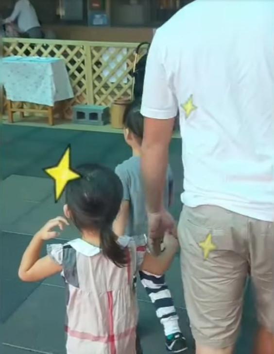 影/女兒第一天去幼稚園…感性老爸「一路爆哭」回家 網笑翻:前世情人不意外!