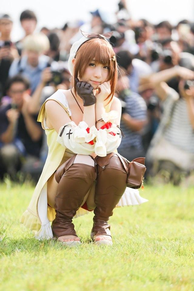 她被封為「日本第一女Coser」猛吸攝影師 直接疊成「立體人牆」...網看正面照驚嘆:真的完美