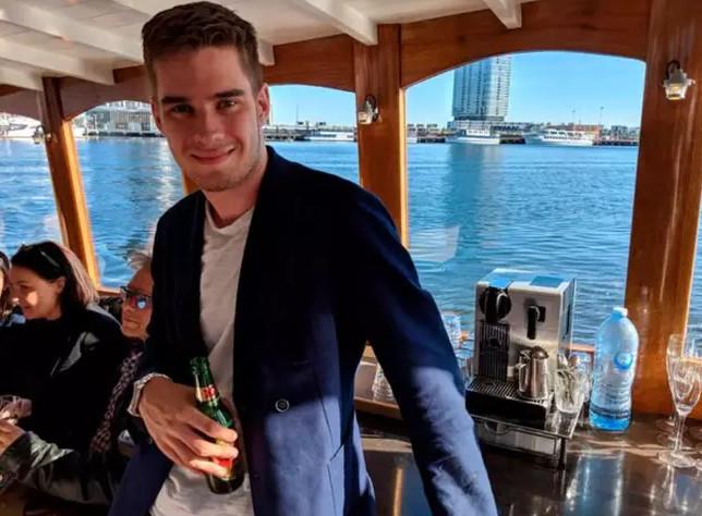 17歲少年「無家可歸」在橋下睡覺 4年後「身價飆到3千萬」變公司總裁…成功秘訣曝光!