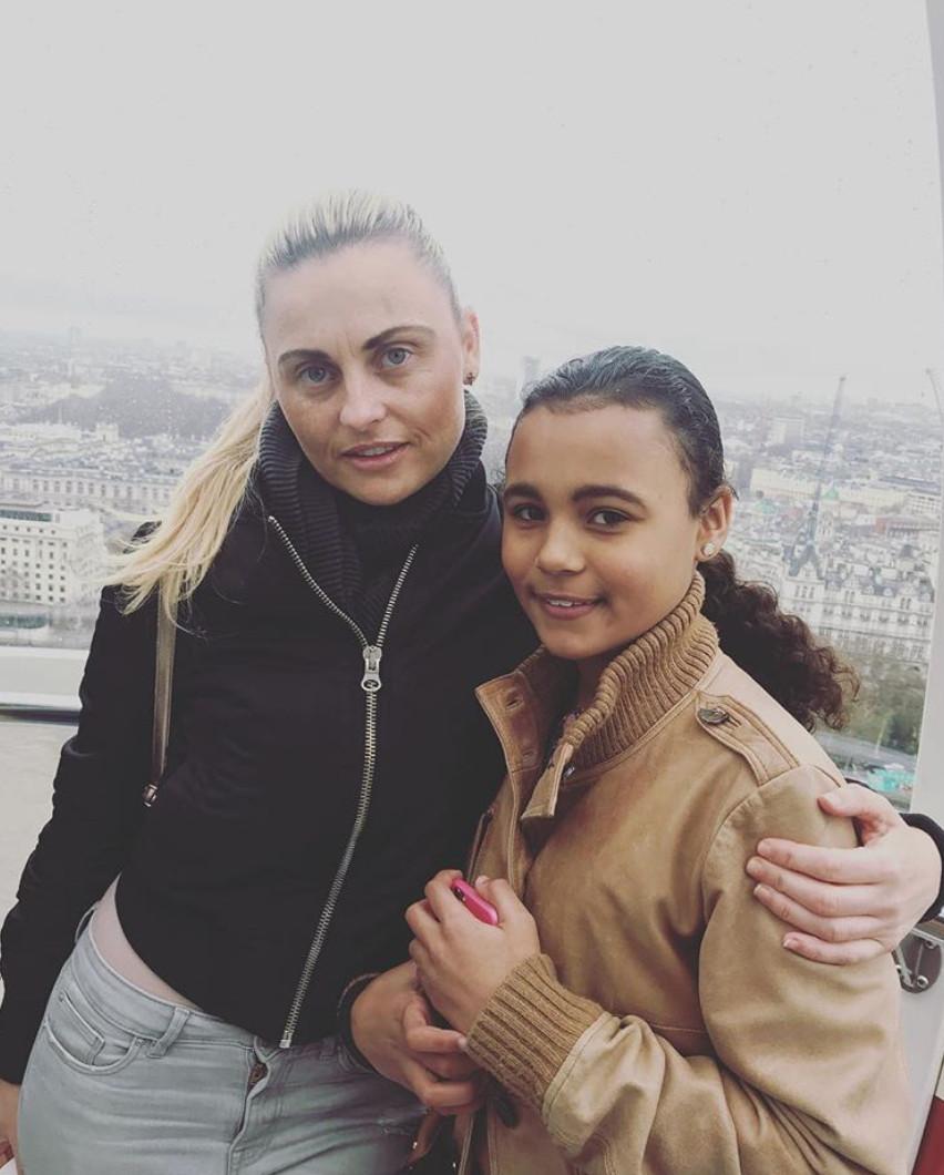 37歲辣媽「裝病」用補助整鼻 命令14歲女兒「變身金卡戴珊」:醜的人沒有未來!