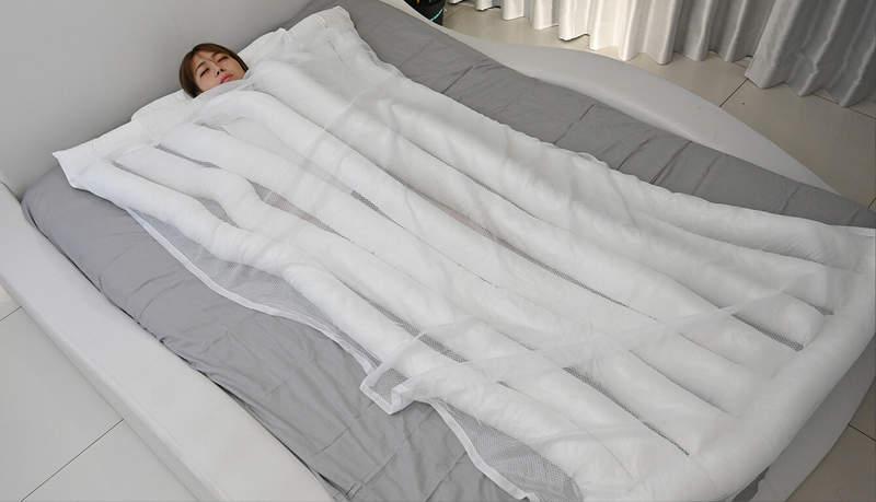 日推「睡眠用烏龍麵」棉被!超長「麵條」讓你滑手機更爽睡更好 網傻眼:以為是愚人節