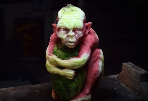 用西瓜做成「《魔戒》咕嚕」太傳神 網看「其它神作」猛毒直接完勝