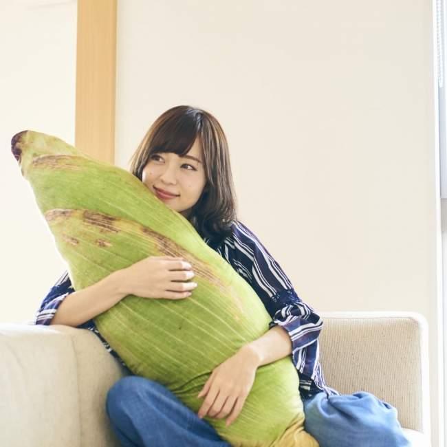 吃貨最愛!療癒「蔬菜系抱枕」爆紅 神還原「翠綠白菜」光抱著就飽了