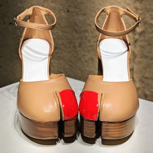 2019年最新時尚「腳拇指鞋」爆紅 粉絲看到「超獵奇設計」傻眼:很省布料!
