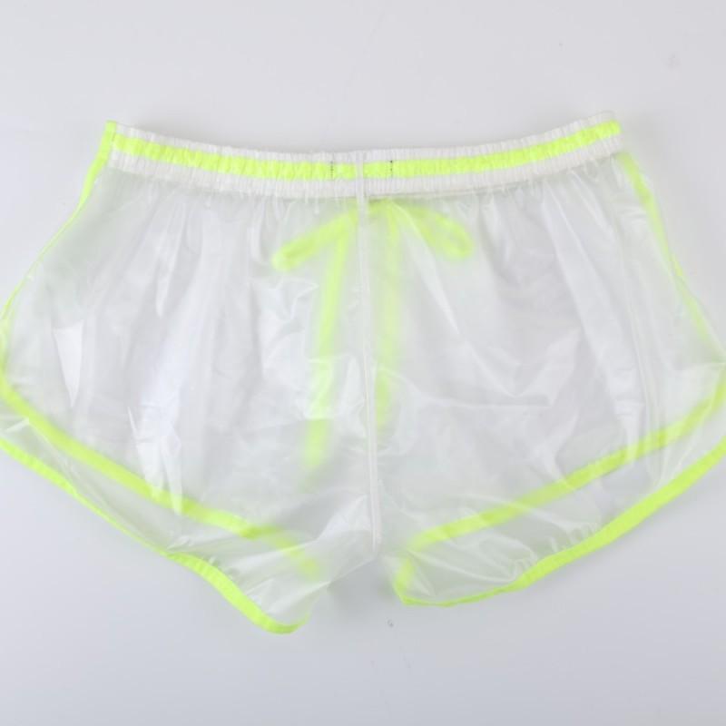 海邊最獵奇時尚!服飾品牌推出「能看光光」的防水透明褲