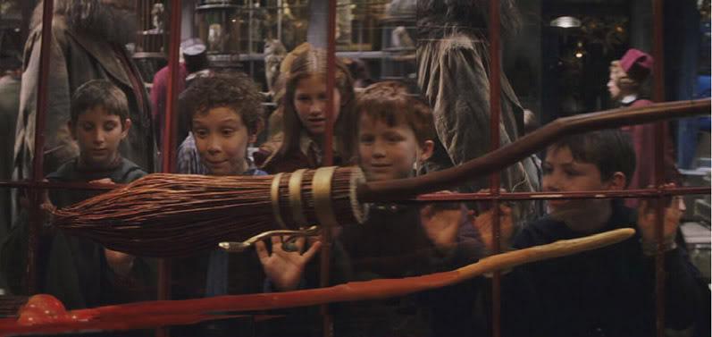 《哈利波特》推出「光輪2000」全球限量1萬把!神還原電影「一比一」精巧細節讓麻瓜夢想成真