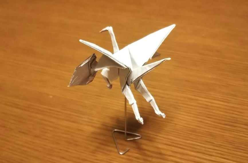 神人摺出進化版紙鶴!畫面「超獵奇」嚇壞網友:變成另一種生物...
