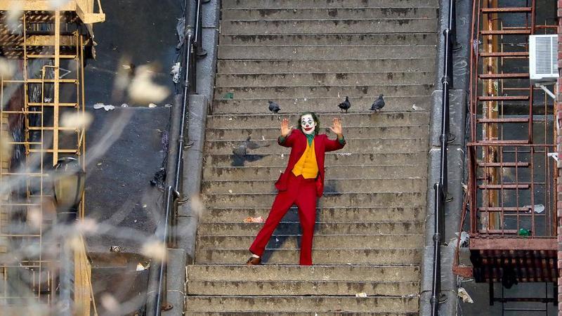 影評/社會底層的悲歌《小丑》可能是你身邊任何一個人 心智脆弱的人千萬不能看