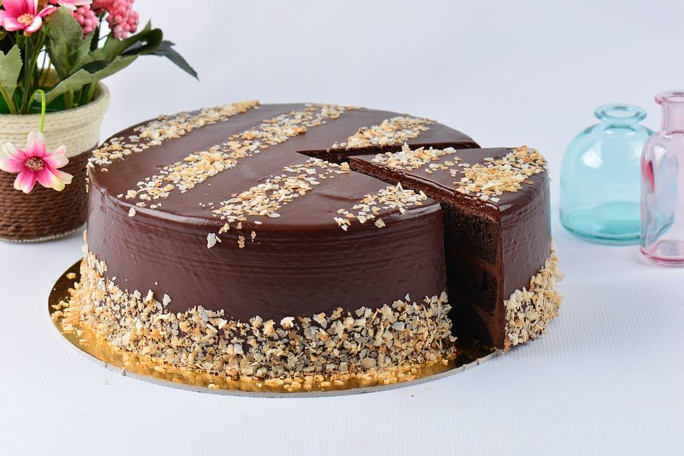 太愛吃巧克力!他化身「金莎大盜」一個月得手3萬 吃光「3000顆」到案胖一圈