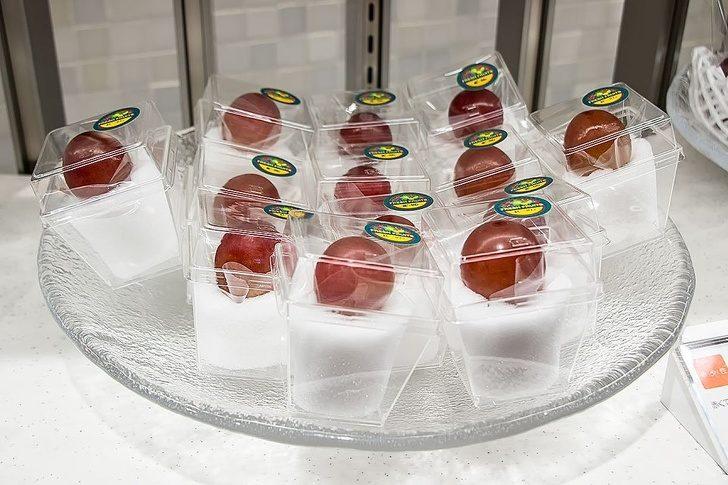 20個「地球就是這樣被害慘」的過度包裝設計 葡萄竟然「一顆顆分開裝」!