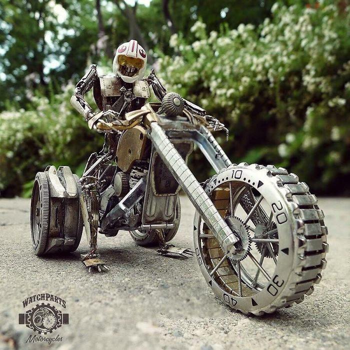 30個神人把「古董錶零件→小型摩托車」的超狂成品 網放大看細節嚇壞:超變態