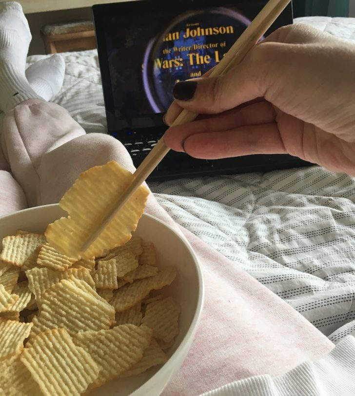 10個「怎麼現在才知道」的生活聰明小撇步 吃洋芋片「不髒手」有訣竅!