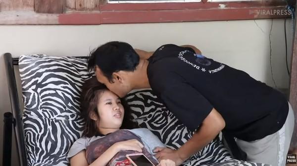 網戀7個月...21歲女「跟男友第一次見面」卻遭撞癱 他3年來不離不棄:康復後就跟她求婚