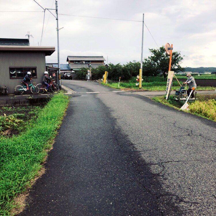 他到日本車站發現「附近的人都不會動」!以為是「詭異現象」一問才發現全是洋葱…