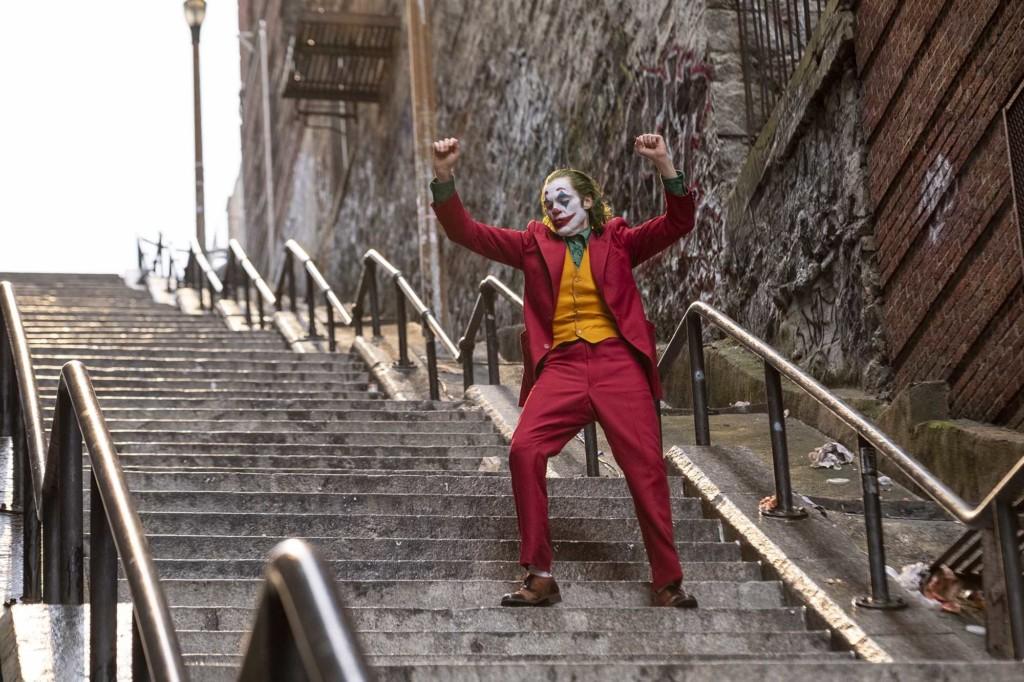 微雷影評/社會邊緣人《小丑》最悲傷的邪惡計畫 用「3種笑容」讓你哭著走出來!