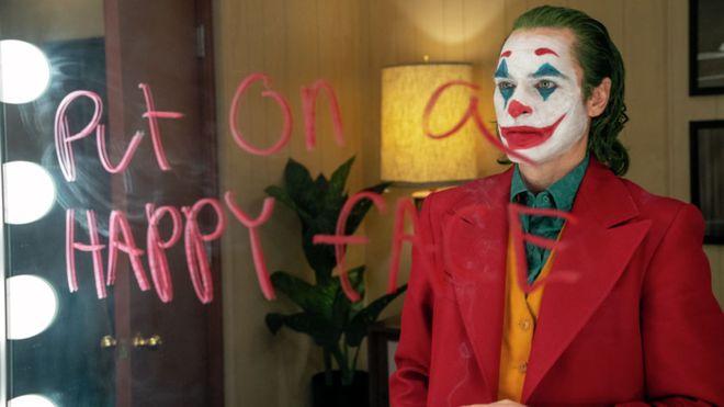 《小丑》IMDB評分超越《黑暗騎士》 觀眾超過「半數以上」都給滿10顆星…粉絲嗨翻!