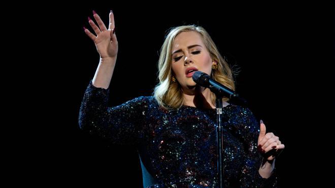 愛黛兒為什麼4年都不出新歌?外媒曝她「每天躺著穩賺230萬」 什麼都不用做