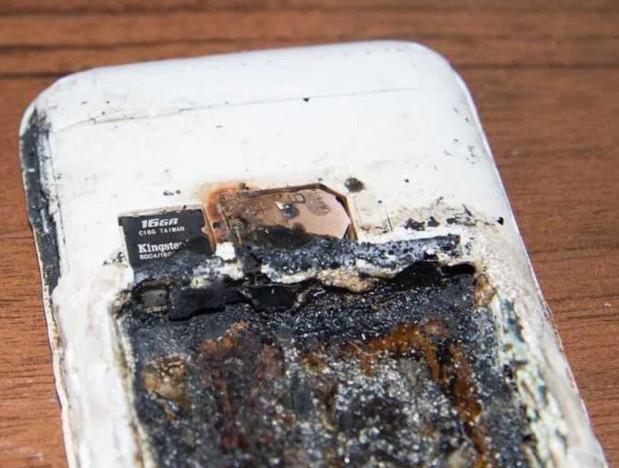 手機放在枕頭邊充電…隔天發現「手機過熱爆炸」震撼全網 14歲少女睡夢中變天使