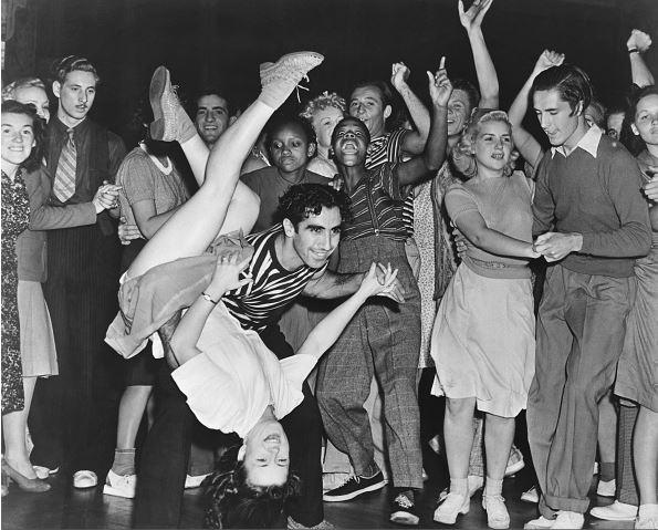 17張比現在更嗨的「真正老派對」珍貴照 古人瘋狂到「泳池變舞池」!
