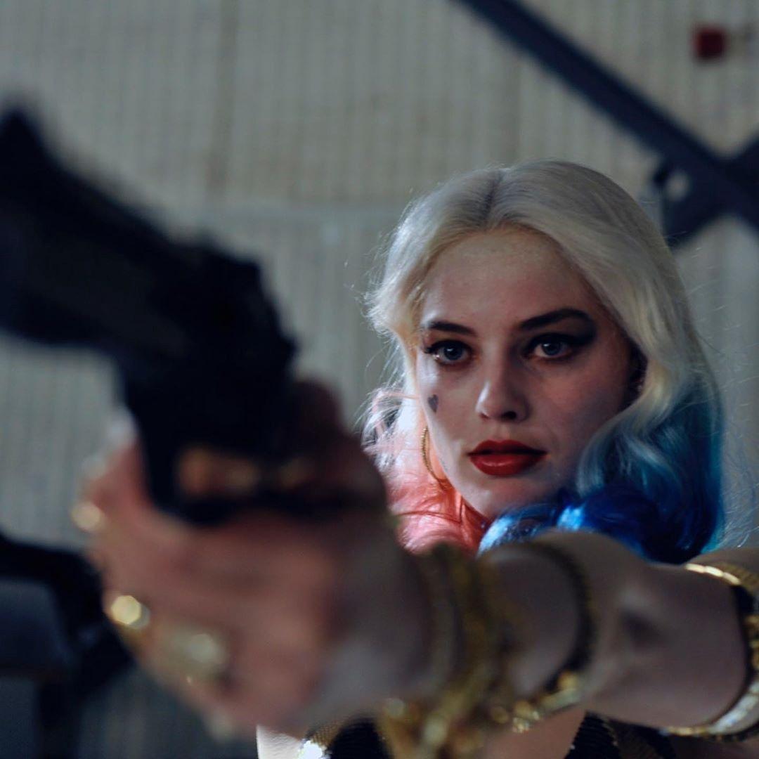 《猛禽小隊》導演流出多張未曝光「清純仙氣劇照」 直接「顛覆小丑女形象」:這次不瘋癲!