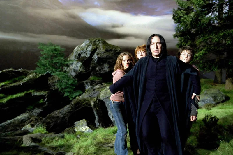 《權力遊戲》瓊恩雪諾願望是演《哈利波特》?隔空喊話超想要「演他」:最聰明角色