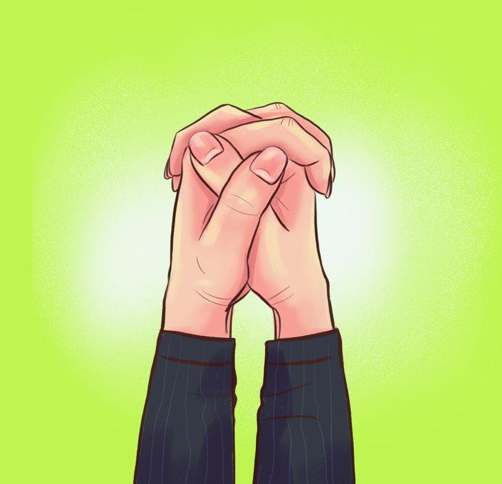 雙手握拳「手指交叉方式」可以看出你的真實性格!左拇指在上竟是最浪漫的人?