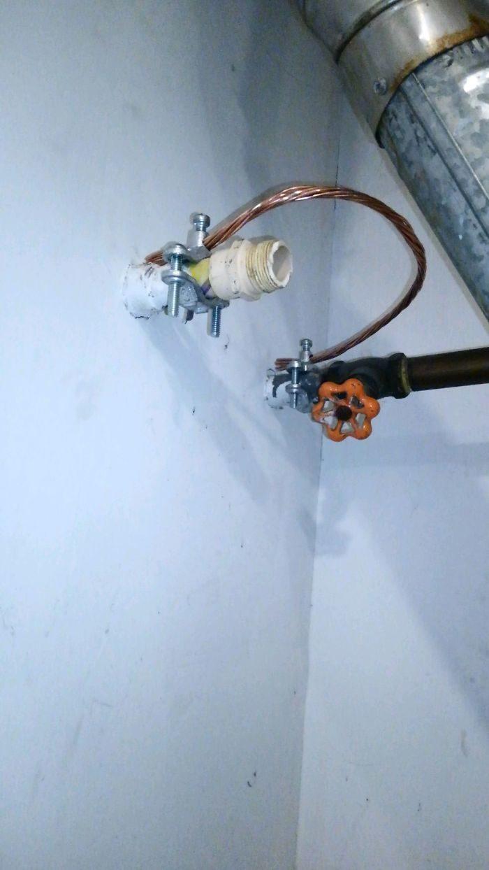 水電工收集「最誇張任務」案發照 水壓超小...管內畫面太驚人!