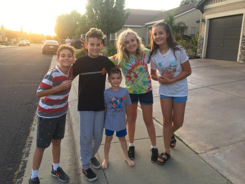 美國10歲男童組「少年偵探團」協助警方辦案 最後成功尋回「失蹤老婦」!