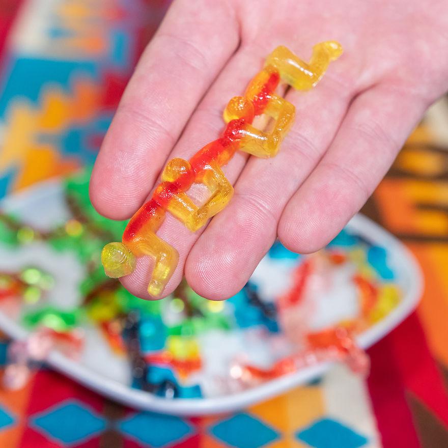 12個廢到不行的「沒用蠢發明」 一刀「剪完所有指甲」神器出現了!