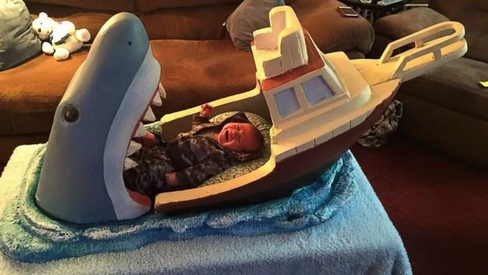 16張挑戰睡眠品質的「創意床鋪」 踩下床「就是游泳池」太夢幻!