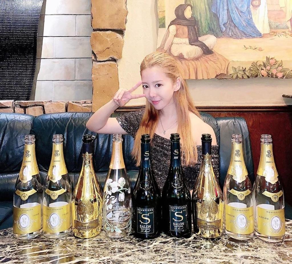 日本陪酒女「被客人嫌醜」崩潰爆哭 她PO出「一張照片」後人氣暴增...3天內猛賺7千萬!