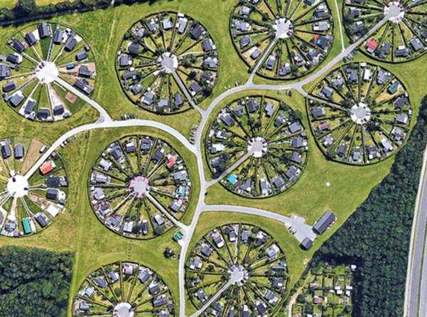 丹麥的極美「城市花園空拍照」被瘋傳 超多房子卻「只有1條馬路」是為了活更好!