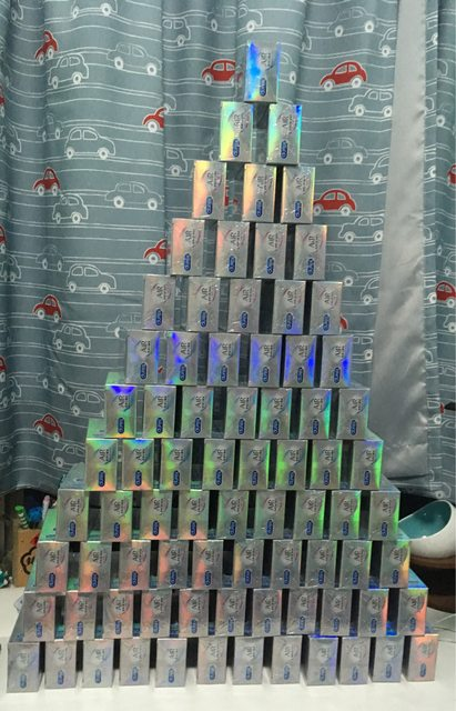 失戀男喝掛狠刷7萬訂「1120個套套」推成金字塔 他醒來傻眼:用不完啦...