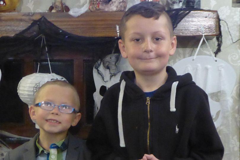 7歲男孩突然「把頭髮剃光」爸媽無解 背後「超催淚原因」曝光:想陪好朋友