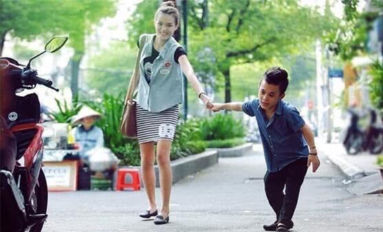 越南「126公分男星」才分手178名模 新女友「超高顏值」曝光…網友傻眼:太幸運!