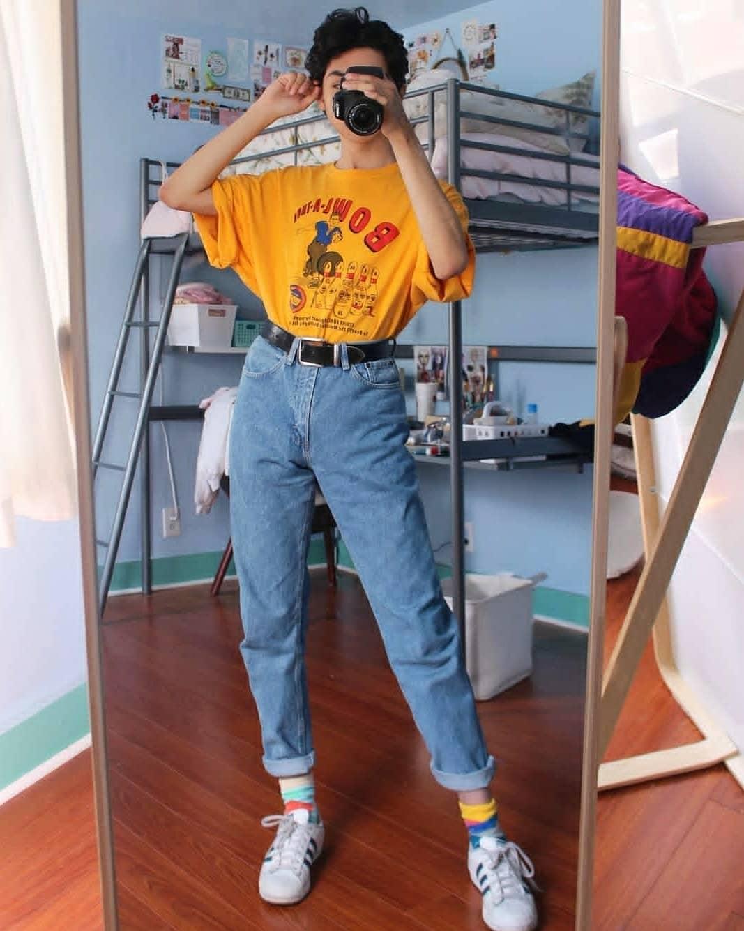 網紅模仿《美少女戰士》日常穿搭被瘋傳 他用時尚配色「還原本尊」媲美名模氣勢!